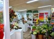 Por viaje dejo hermosa florería, excelente ubicación
