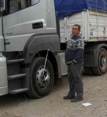 chofer de camión argentino mendocino